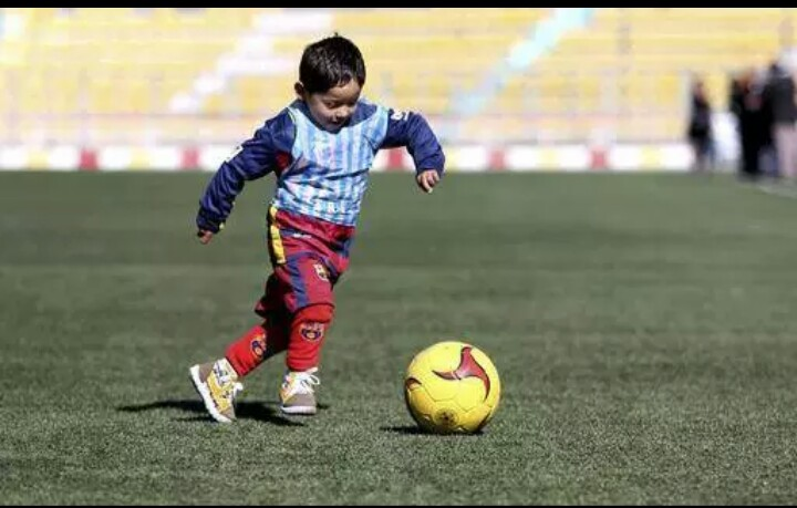 7-year-old Messi fan flees home in Afghanistan after Taliban attack