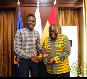 Stonebwoy Visits President Akufo Addo, To Call Upon Him To His Concert