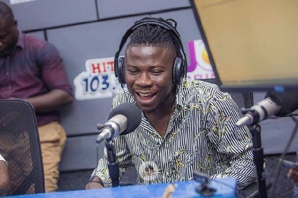 Stonebwoy Inks a deal as brand ambassador for Samsung Ghana Limited