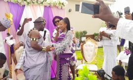Dr Paa Kwesi Nsuom Sings At Rev Nana Perbi's Wedding