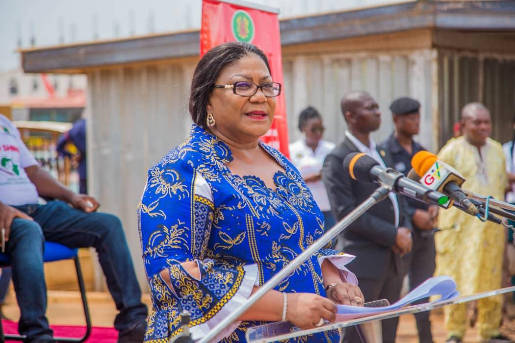 """FIRST LADY LAUNCHES """"FREE TO SHINE"""" CAMPAIGN TO FIGHT MOTHER TO CHILD HIV/AIDS TRANSMISSION 🇬🇭🇬🇭🇬🇭"""