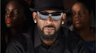 R Kelly: Singer charged with sexual abuse in Chicago