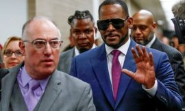 'There are no hostages' says the man defending R Kelly