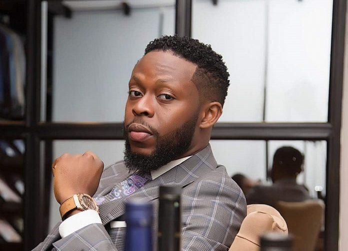 [VIDEO] kalybos involved in a Car crash on his way to Kumasi