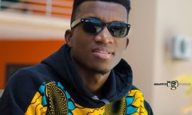 Video: Kofi Kinaata advises against illegal fishing in new song