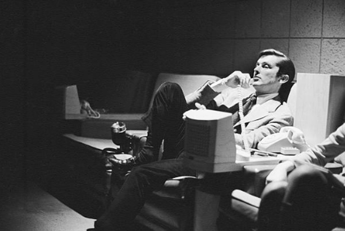 Robert Evans, producer of 'The Godfather' dies at 89