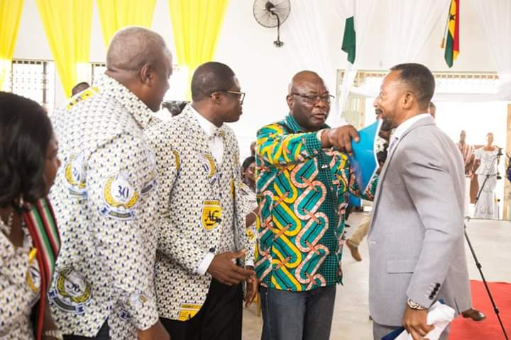 Rev. Owusu Bempah Manhandled By Mahama Boys ???