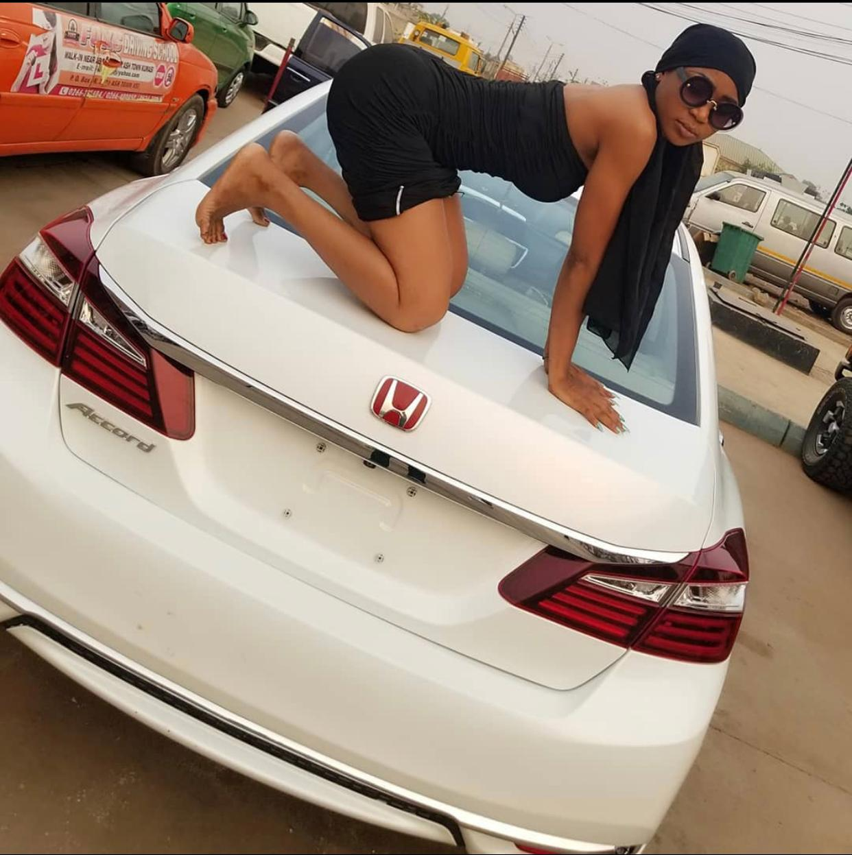 (VIDEO) Akuapem poolo's boyfriend  Surprises Her With a new Whip